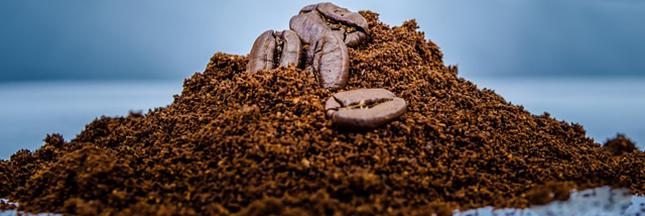 marc de cafe moulu grains teindre ses cheveux - Recettes Naturelles Pour Colorer Les Cheveux Blancs