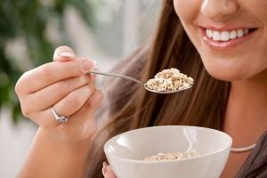 comment-manger-cereales-completes_shutterstock_50267800