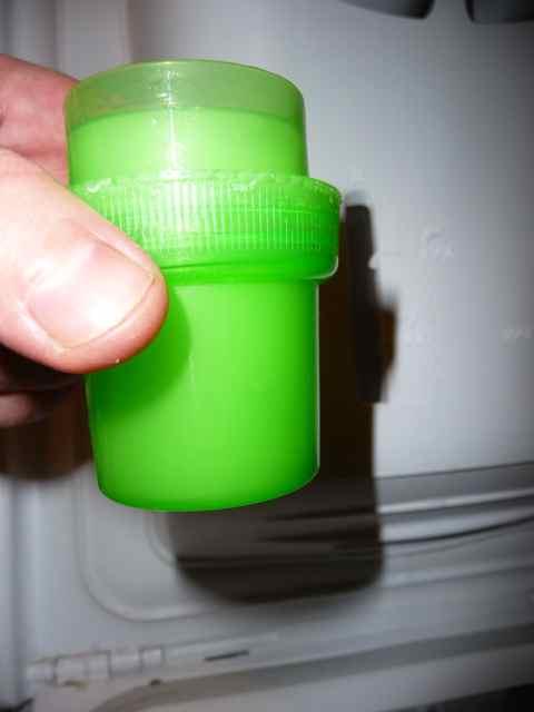 comment faire sa lessive liquide avec du savon de. Black Bedroom Furniture Sets. Home Design Ideas