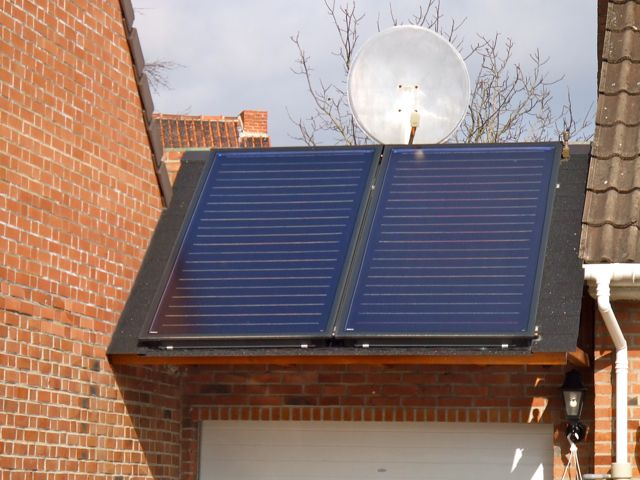 installer des panneaux solaires thermiques pour chauffer l eau chauffe eau solaire le retour. Black Bedroom Furniture Sets. Home Design Ideas
