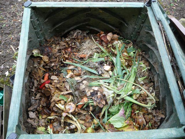 comment composter et r aliser un compost avec ou sans composteur page 2 de 2 page 2. Black Bedroom Furniture Sets. Home Design Ideas