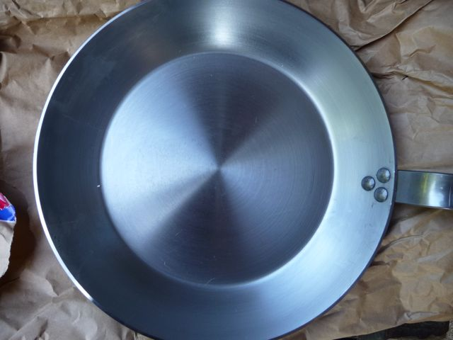 poele en fonte d 39 aluminium danger