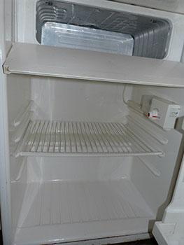 Nettoyage colo du frigo au vinaigre d 39 alcool consommer durable - Nettoyer frigo vinaigre blanc ...