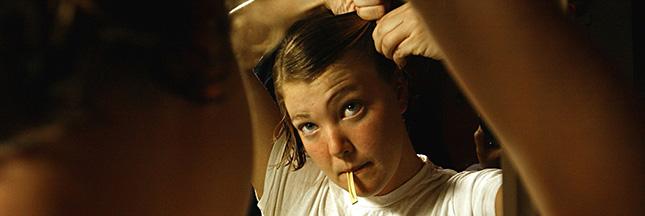 cheveux-beaute-femme-miroir-soin-peigne-ban
